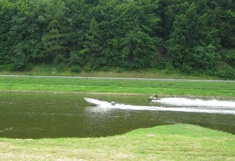 Wettrennen auf dem Weserwasser