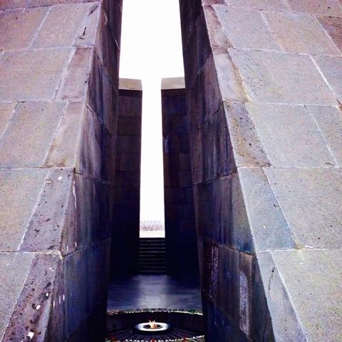 Das Genozid-Monument in Yerevan © Charlotte Lyne